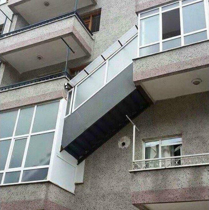 12 смешных балконов на все времена