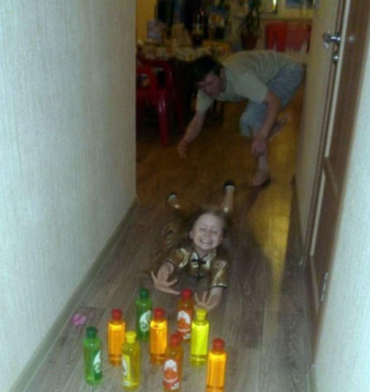 Проверено, отец плохому не научит (13 фото)
