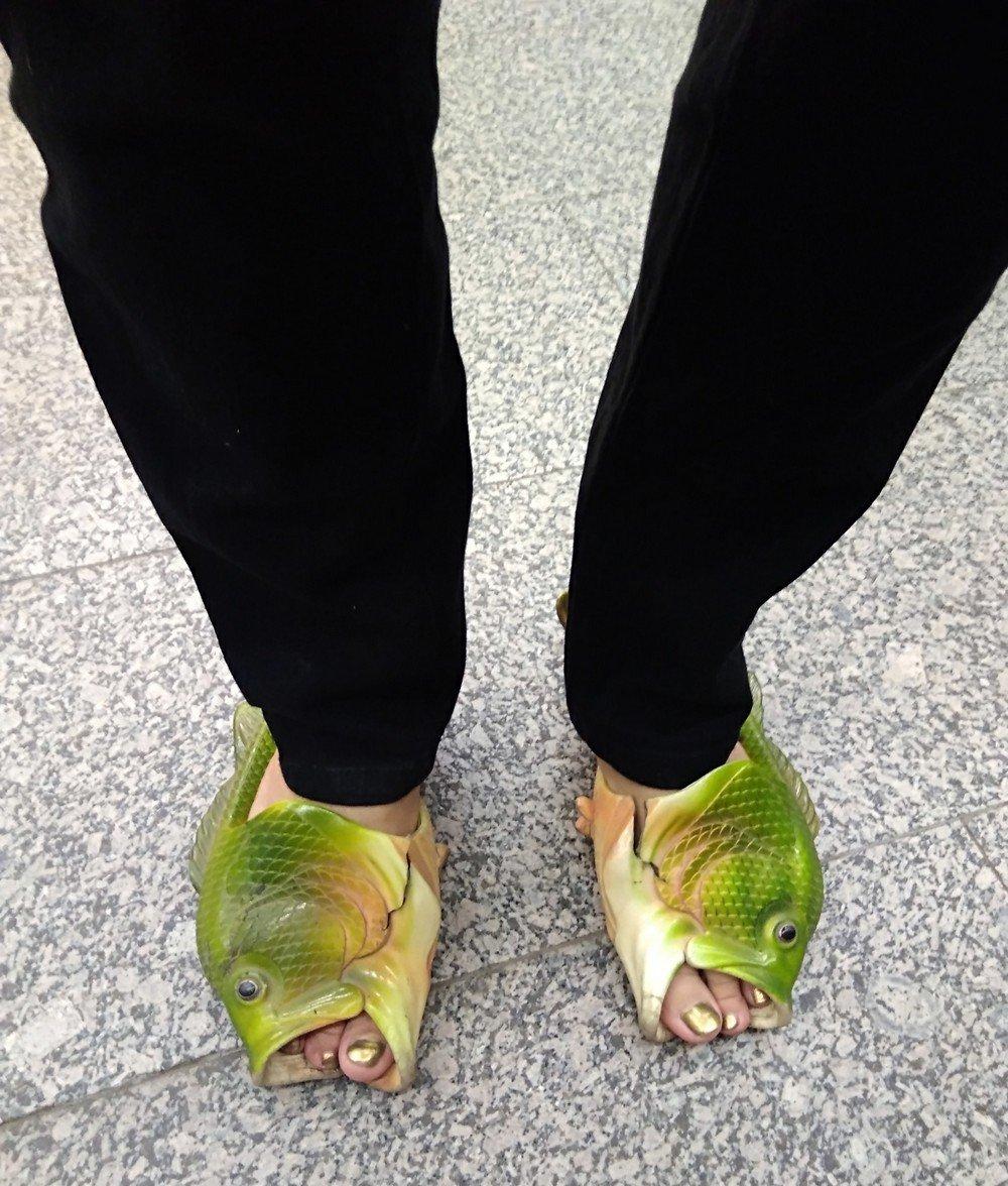Креативная обувь или когда мастер перестарался (14 фото)