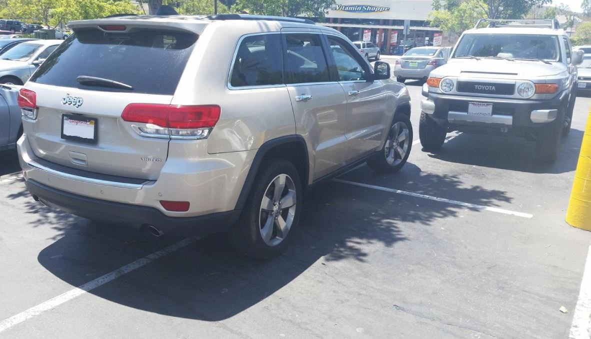 14 примеров того, как не следует парковать машину