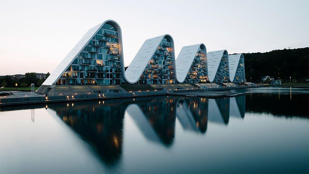 Волнообразный жилой дом в Дании, зачаровывающий своим видом