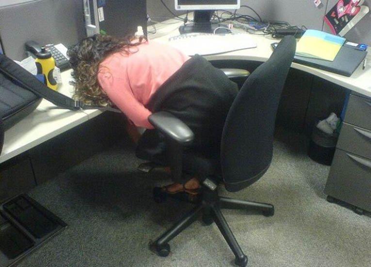 13 людей, которых эта бесконечная, тяжелая рабочая неделя изрядно утомила