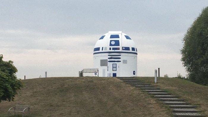 Немецкий профессор, будучи поклонником «Звездных войн», перекрасил обсерваторию в R2-D2