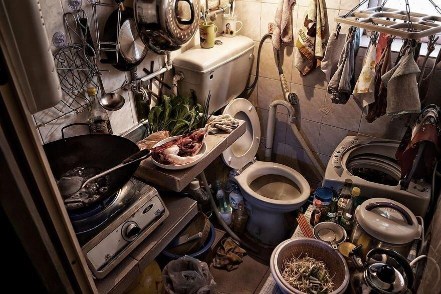 14 ужасающих фото квартир-гробов Гонконга