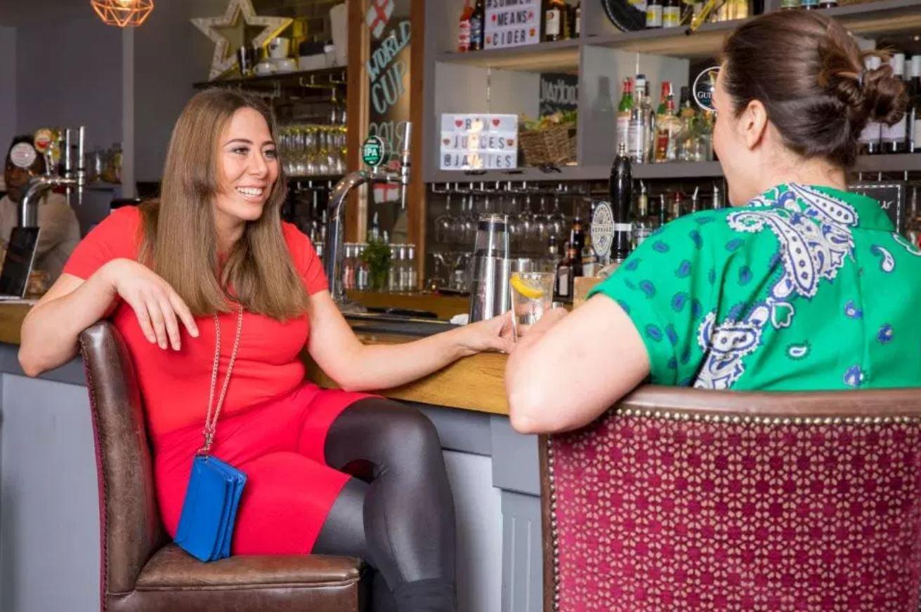Девушка продемонстрировала, как в реальной жизни выглядят наряды Ким Кардашьян