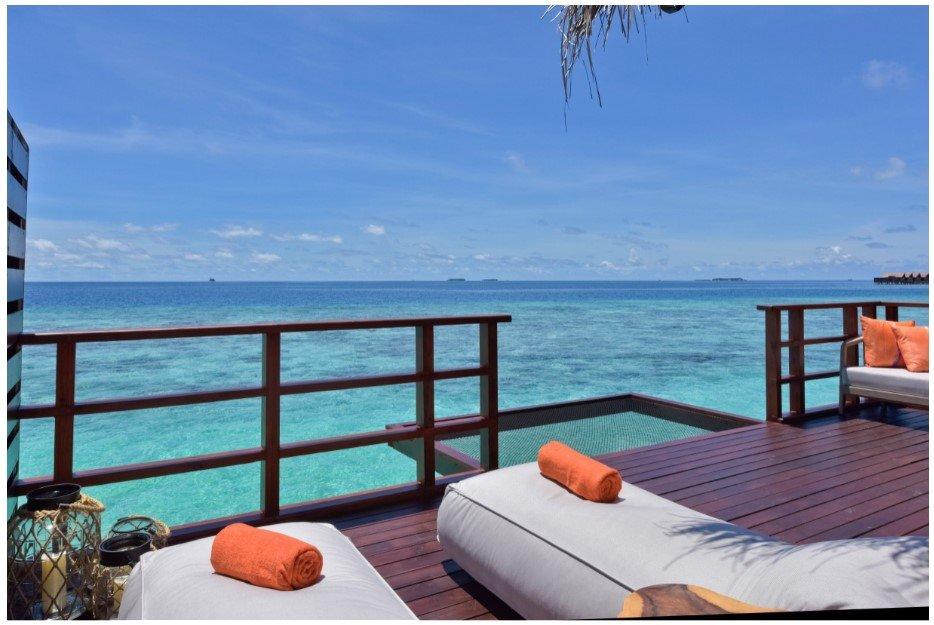 Мальдивский курорт предлагает ночевку прямо в океане под звездами