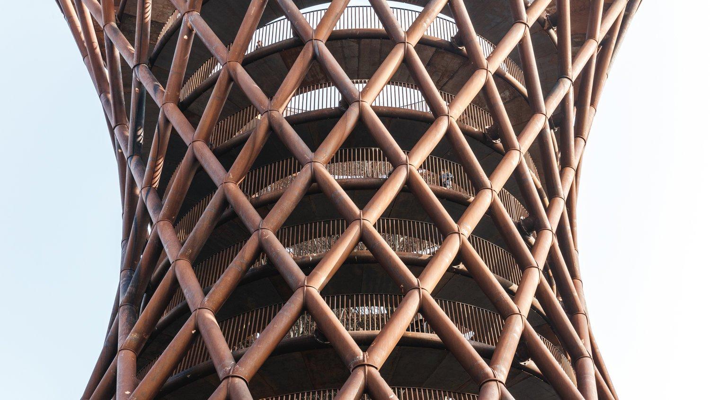 В Дании построили спиральную смотровую башню без ступенек