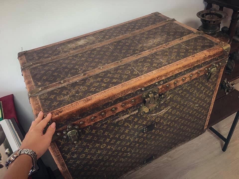 Харьковская пенсионерка хранила кукурузу в раритетном саквояже Louis Vuitton 1880 года