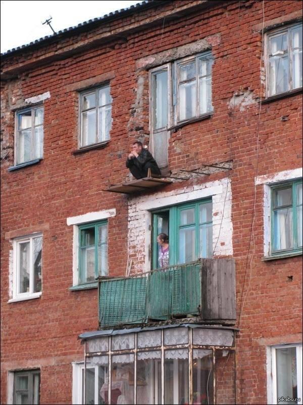 12 странных вещей, увиденных на чужих балконах