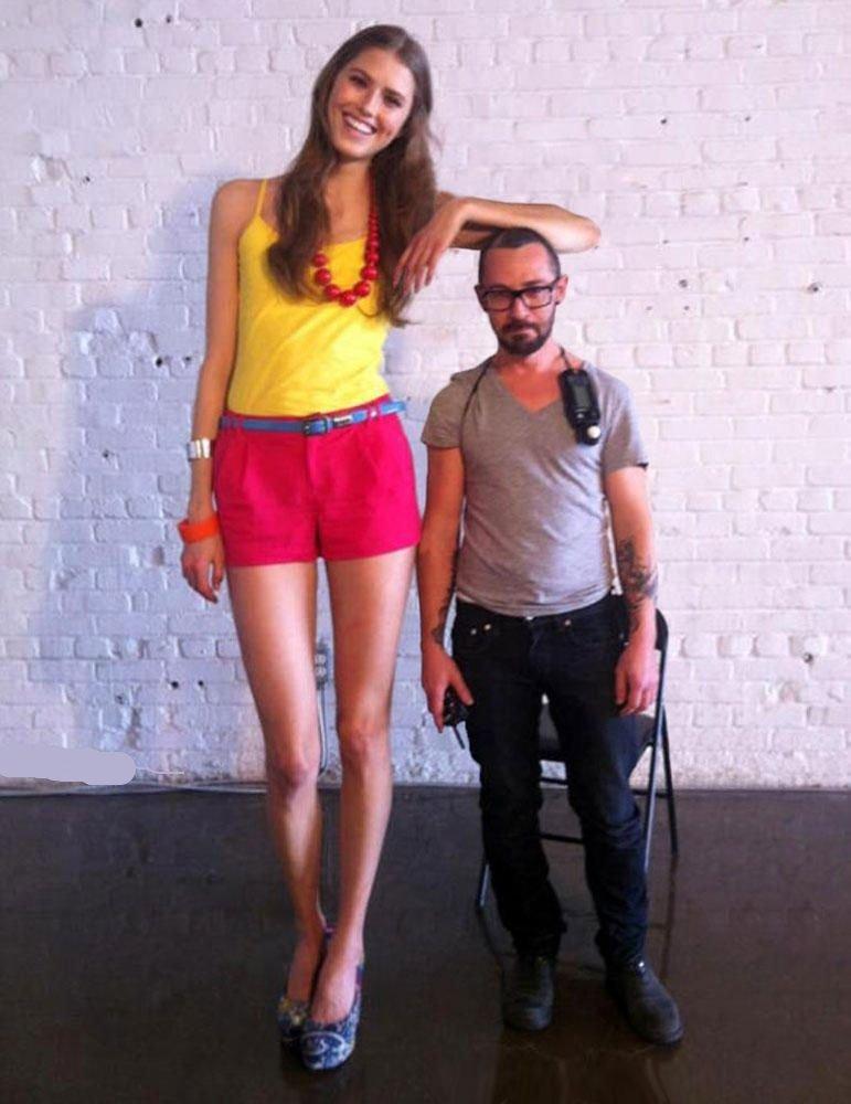 14 фото с высокими девушками, которые не стесняются своего роста