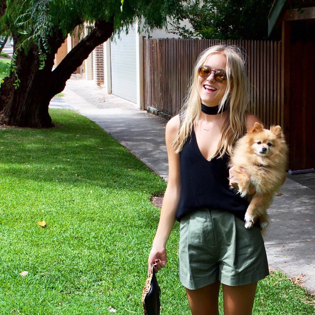 Девушка сама постригла своего пса, и результаты смешат людей в сети до сих пор
