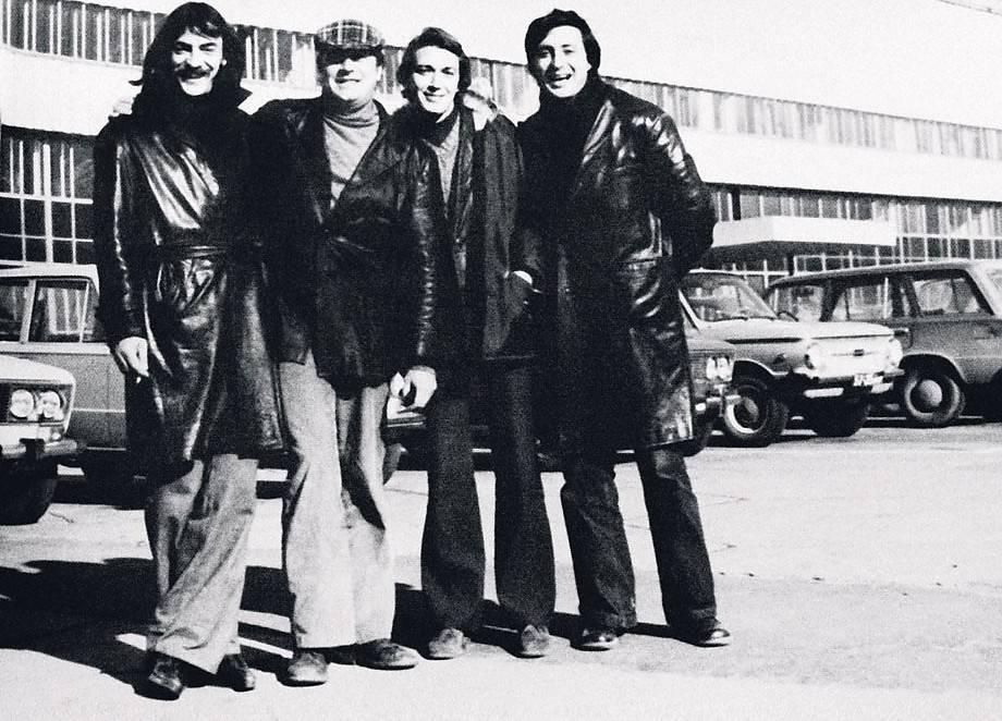 12 фото советских актеров за кадром